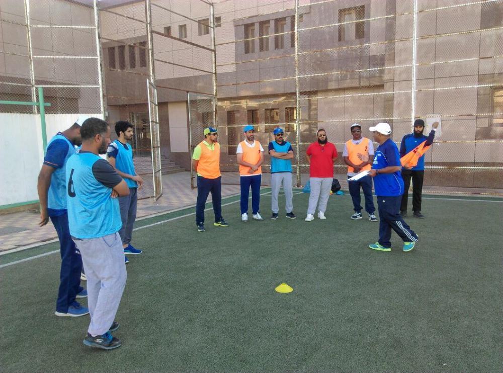 اختتام الدورة التدريبية لتطوير «كرة القدم» بتعليم بيشة