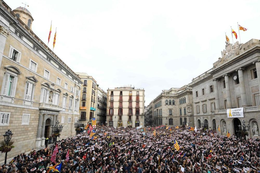 إضراب في كاتالونيا يشل حركة السير ويغلق عشرات الطرق
