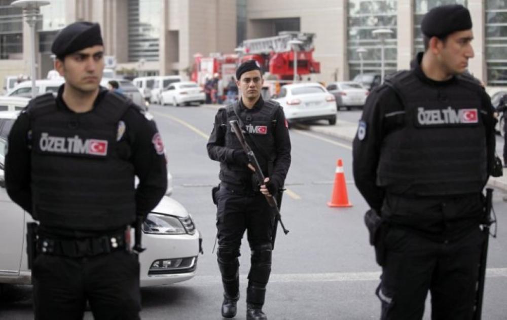عناصر من الشرطة التركية.