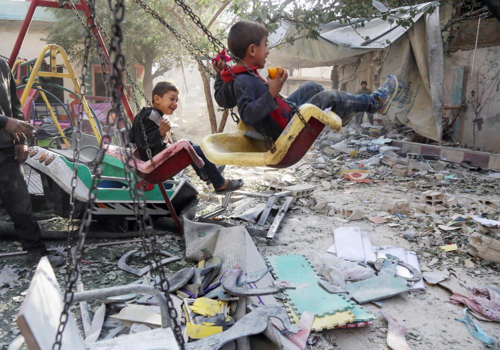 «داعش» ينسحب من البوكمال.. والأسد يروّج لانتصار وهمي