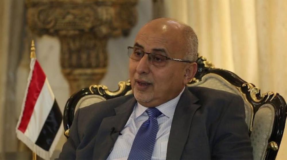 وزير الإدارة المحلية اليمني عبد الرقيب فتح.