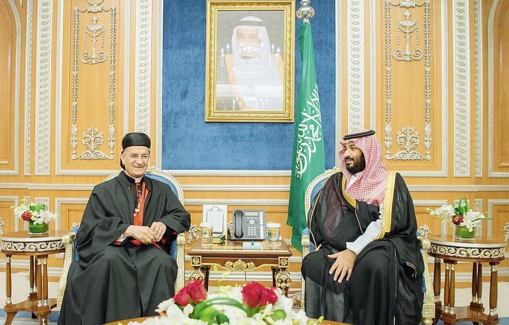 الأمير محمد بن سلمان والراعي خلال لقائهما أمس في الرياض.