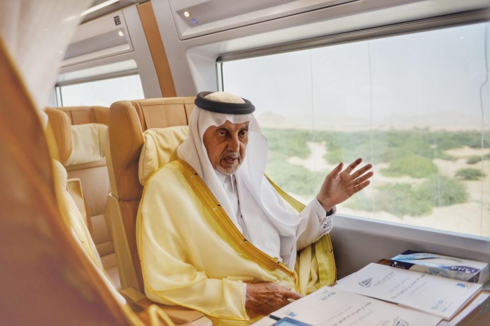 الفيصل يرفع التهاني للملك بإنجاز قطار الحرمين
