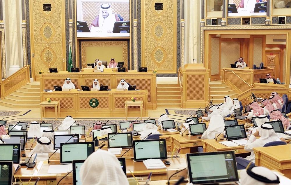 «الشورى» يصوت على تولي المرأة مناصب قيادية في السفارات