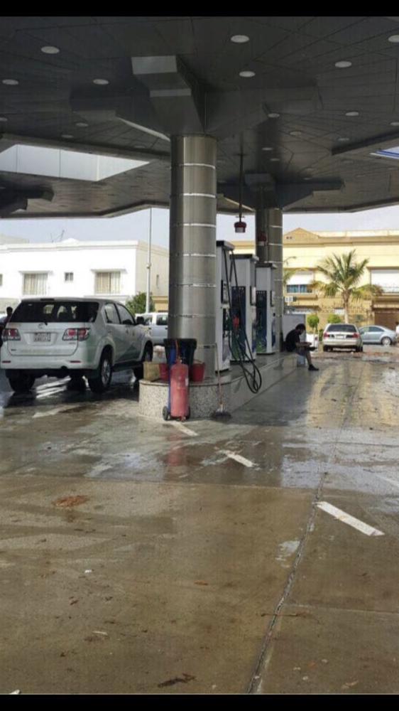 «التجارة»: إغلاق 4 محطات بنزين بعد تسرب المياه لخزانات الوقود