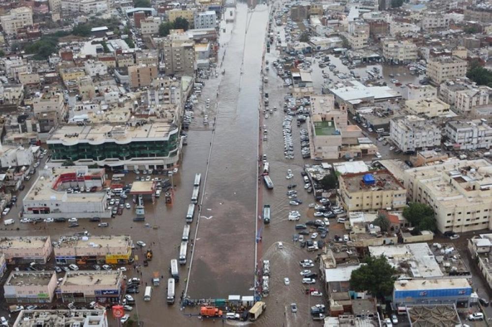 صورة رصدها طيران الأمن لإحدى المناطق المتضررة بجدة بعد الأمطار