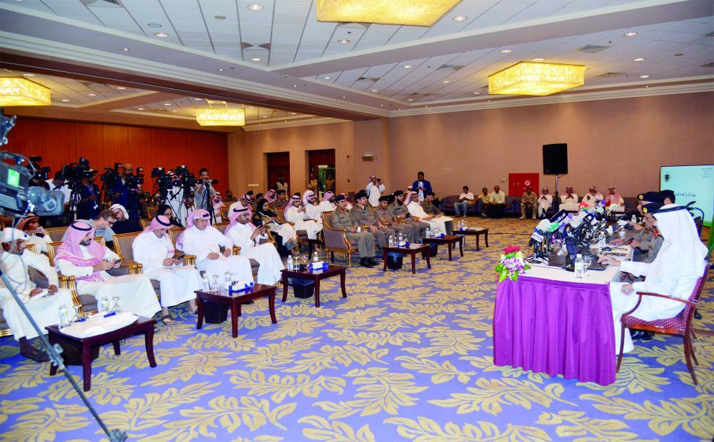 جانب من حضور المؤتمر الصحفي في الرياض أمس. (تصوير: ماجد الدوسري)