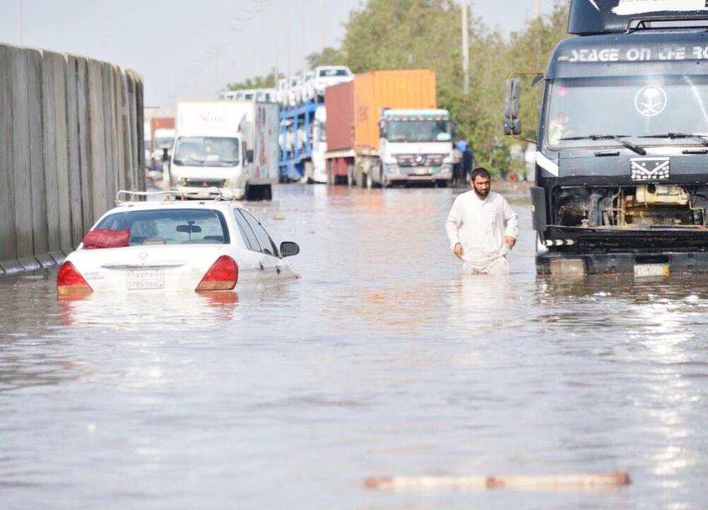 «عكاظ» تنشر ملاحظات «الإمارة» لأسباب أزمة «أمطار الثلاثاء»