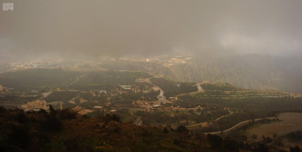 الطقس: أمطار رعدية على جازان وعسير
