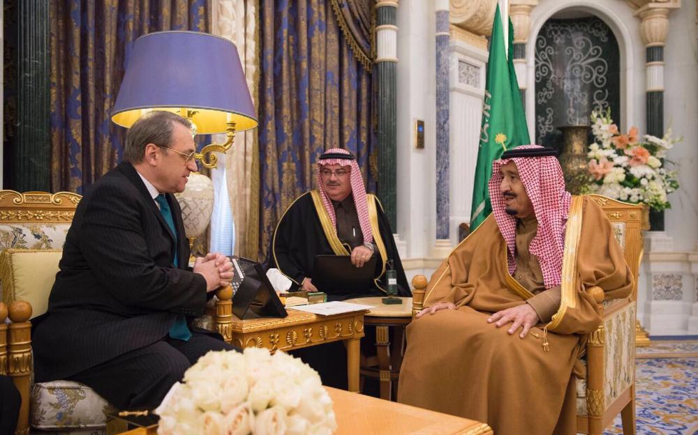 خادم الحرمين يتباحث مع مبعوث الرئيس الروسي