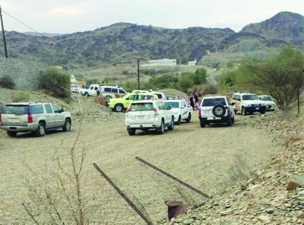 رجال الأمن في موقع حادثة القتل بمعشوقة.