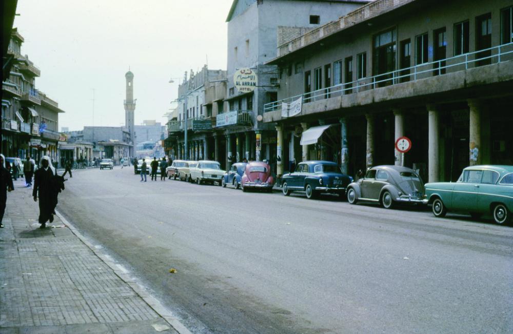 أحد شوارع الكويت في الستينات.