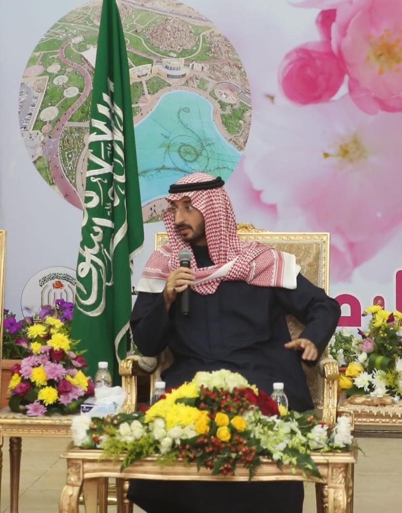 «ردّف الطائف» تعيد ذكريات الصبا لنائب أمير مكة