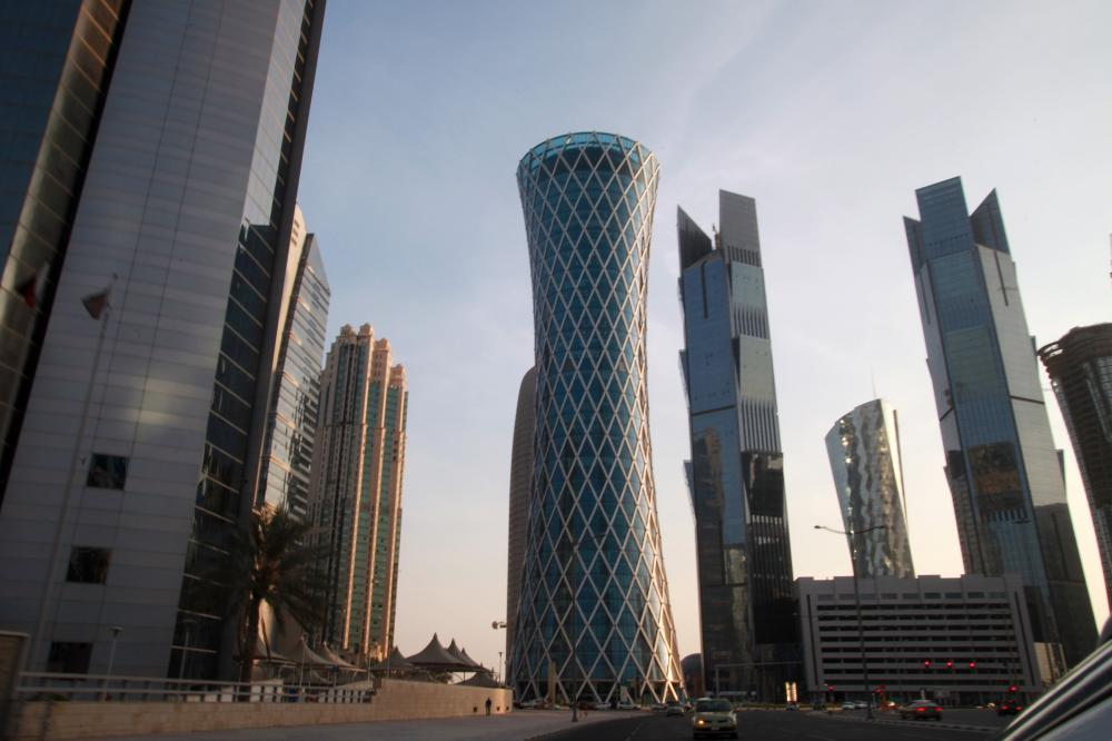 قطار تنمية الدول الـ4 يسير.. وبورصة الدوحة للهاوية