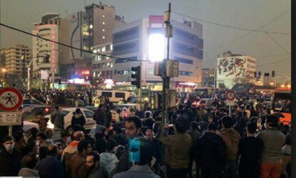 المقاومة الإيرانية: مقتل 30 واعتقال 450 شخصاً