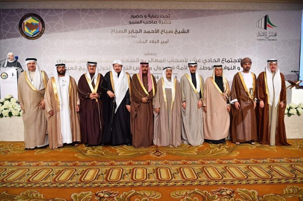 أمير الكويت وولي عهده يستقبلان رئيس مجلس الشورى