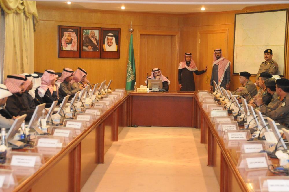 وكيل إمارة الجوف يترأس الإجتماع الثاني للأجهزة الحكومية