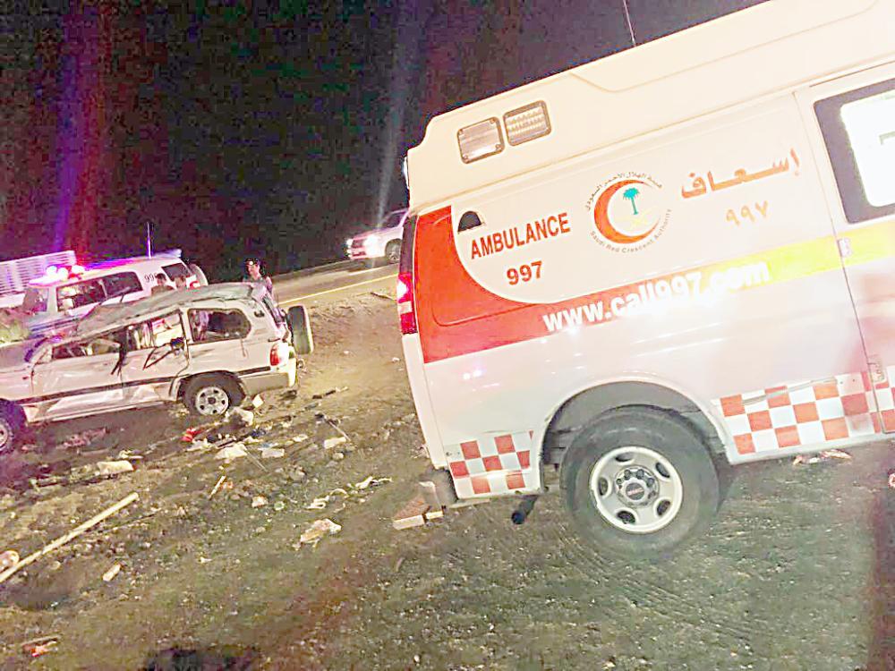 الهلال الأحمر خلال مباشرة حادثة طريق الهجرة بالمدينة المنورة.