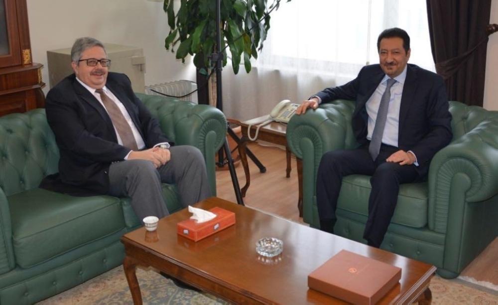 الخريجي يبحث مع السفير الروسي بتركيا القضايا المشتركة