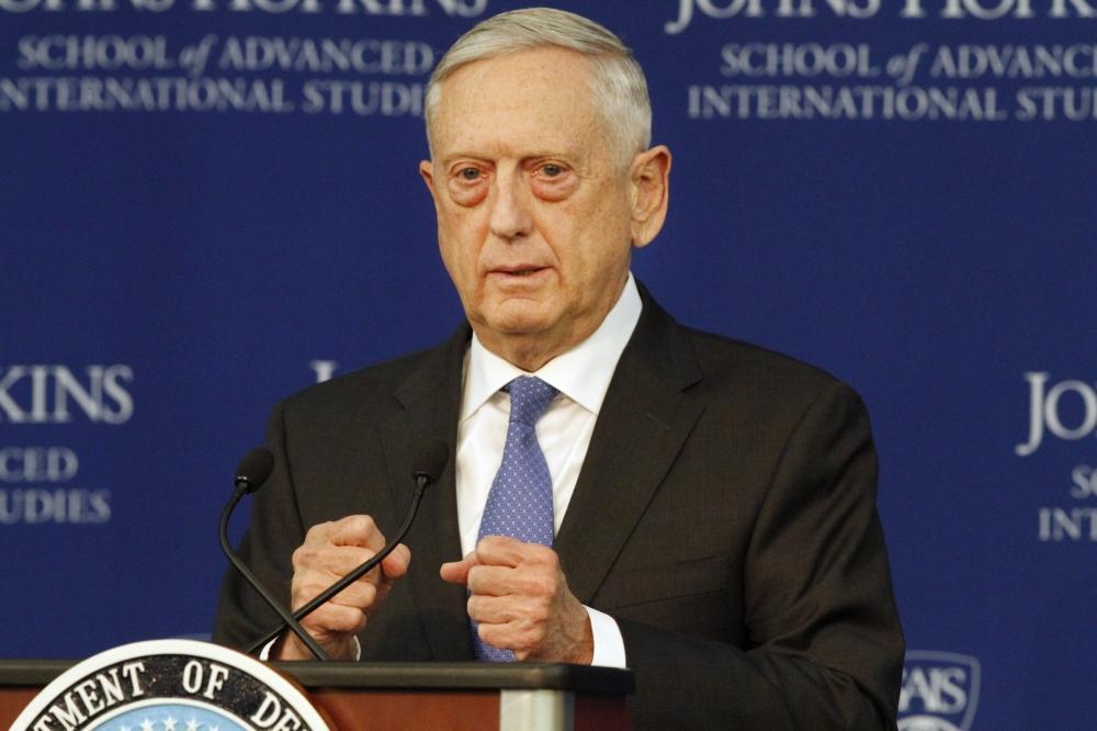 وزير الدفاع الأمريكي: إيران دولة تقمع شعبها وتخرق القوانين الدولية