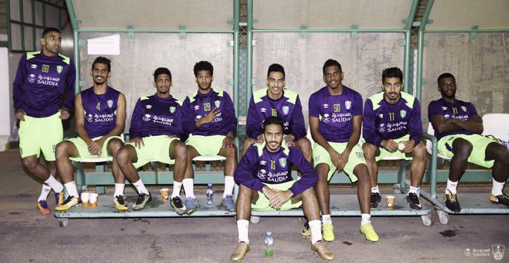 لاعبو الأهلي قبل انطلاق التدريبات.