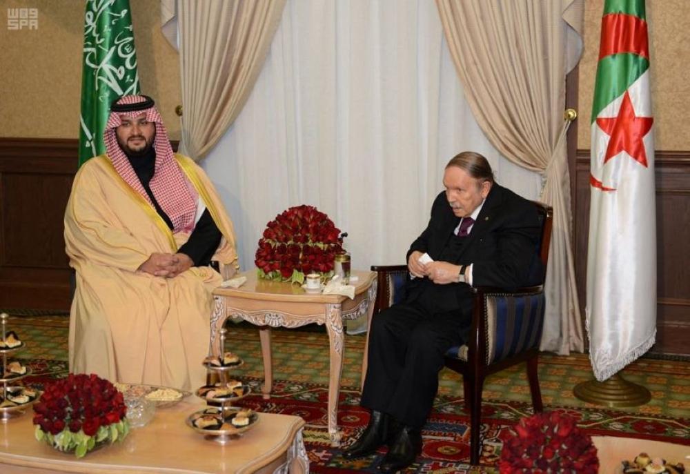 بوتفليقة يبحث تعزيز العلاقات مع الأمير تركي بن محمد بن فهد
