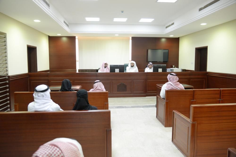 إحدى الجلسات القضائية في المحكمة.