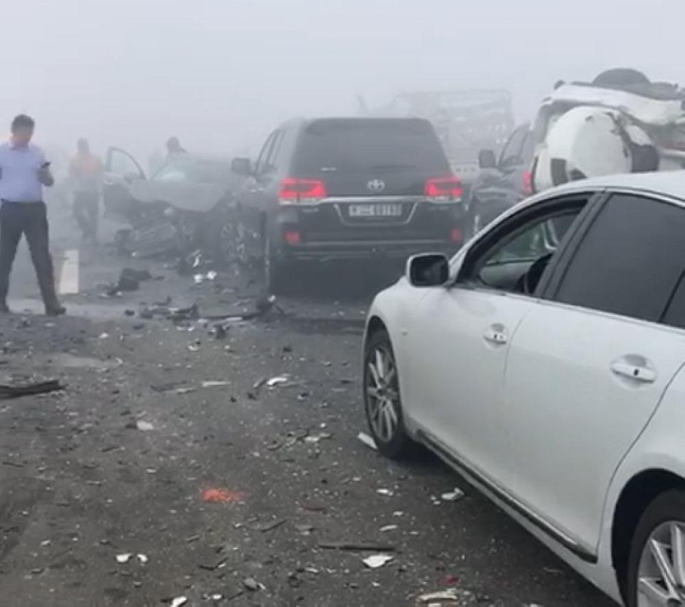 عشرات المركبات تضررت بسبب التصادم