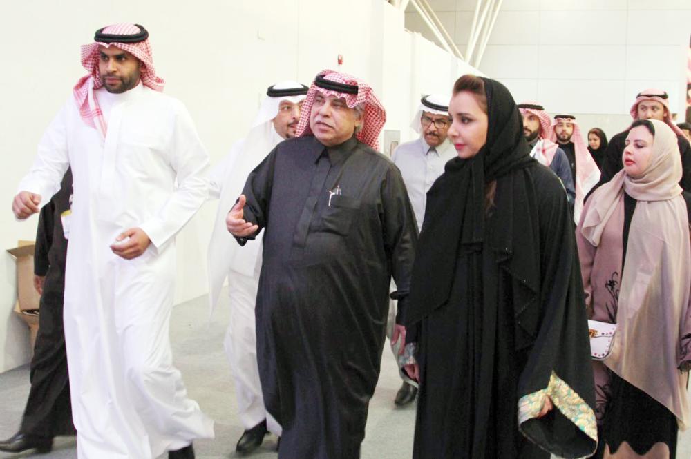 القصبي تعرف على الفرص الاستثمارية المتاحة لرواد الأعمال السعوديين. (تصوير: ماجد الدوسري)