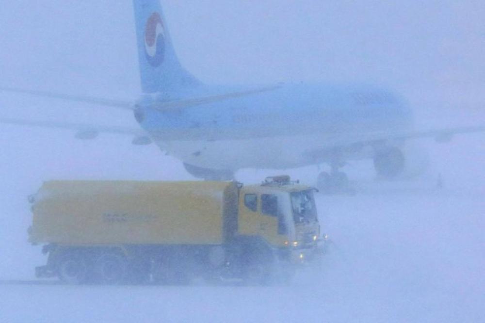 إلغاء 100 رحلة جوية بسبب الثلوج في كوريا الجنوبية