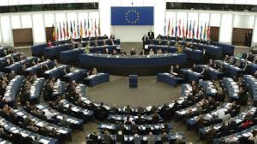 البرلمان الأوروبي يدعو إلى إنهاء حالة الطوارئ في تركيا