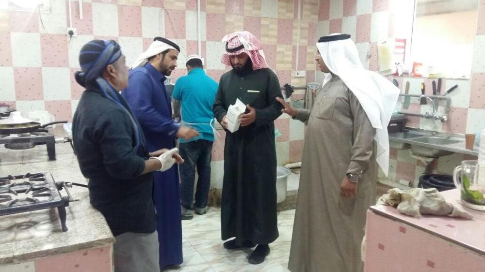 بلدية أبو عجرم تشدد على الاشتراطات الصحية