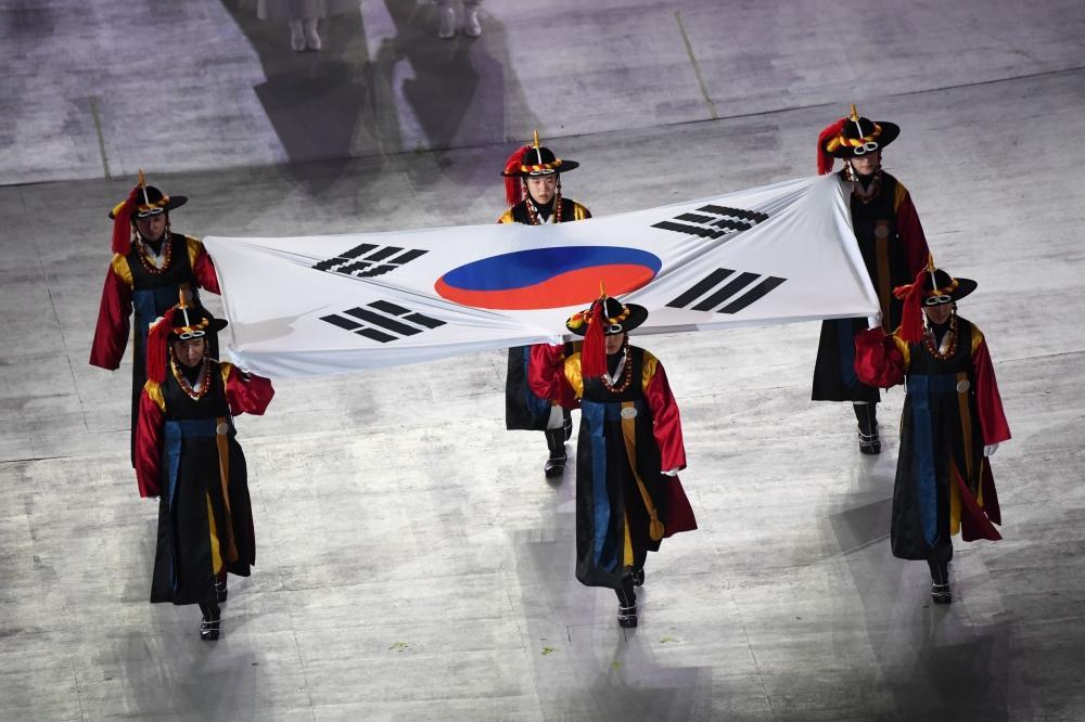 أولمبياد 2018: رياضيو الكوريتين يسيرون سويا في حفل الافتتاح