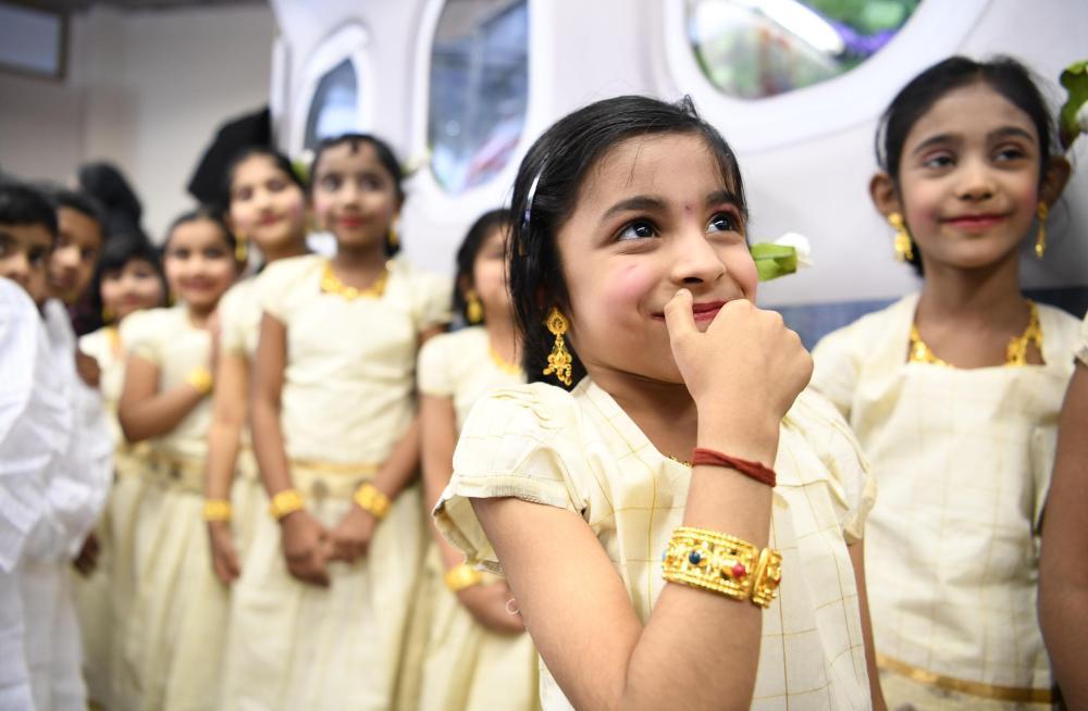 بالصور.. الثقافة الهندية في أروقة «الجنادرية»