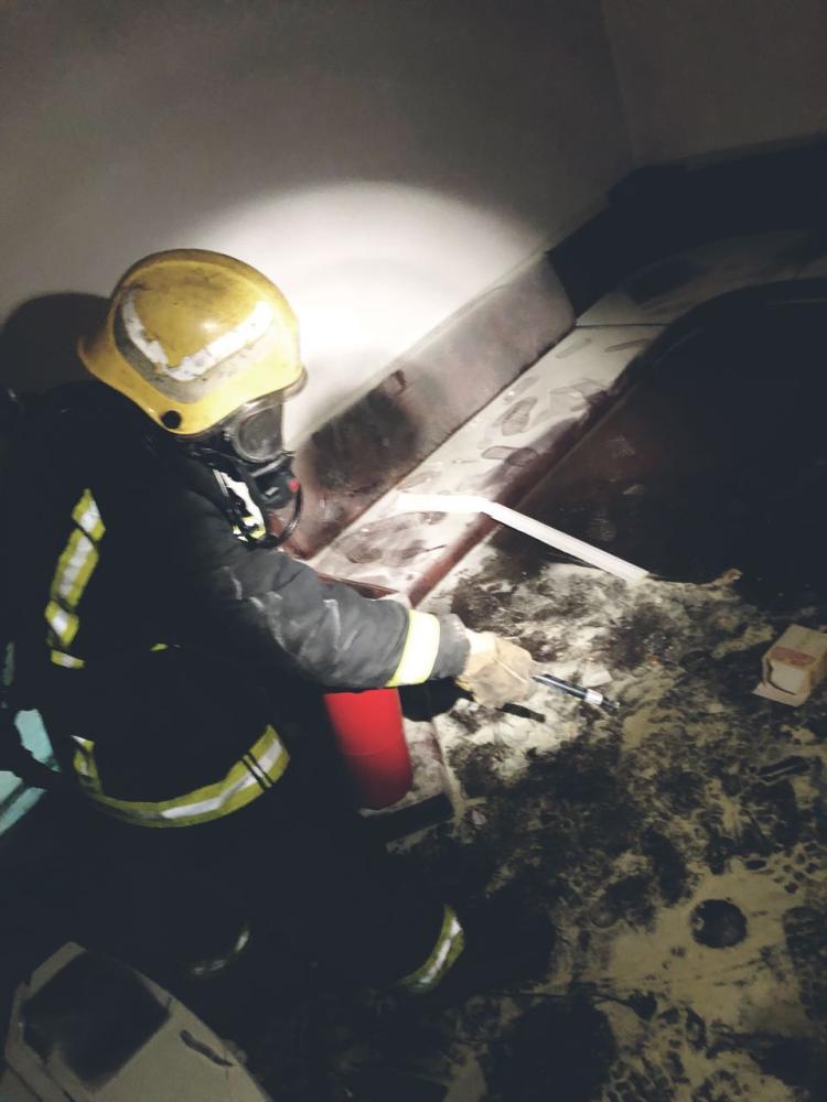 إخماد حريق بشقة سكنية في خميس مشيط.. بعد عبث 4 أطفال بالغاز