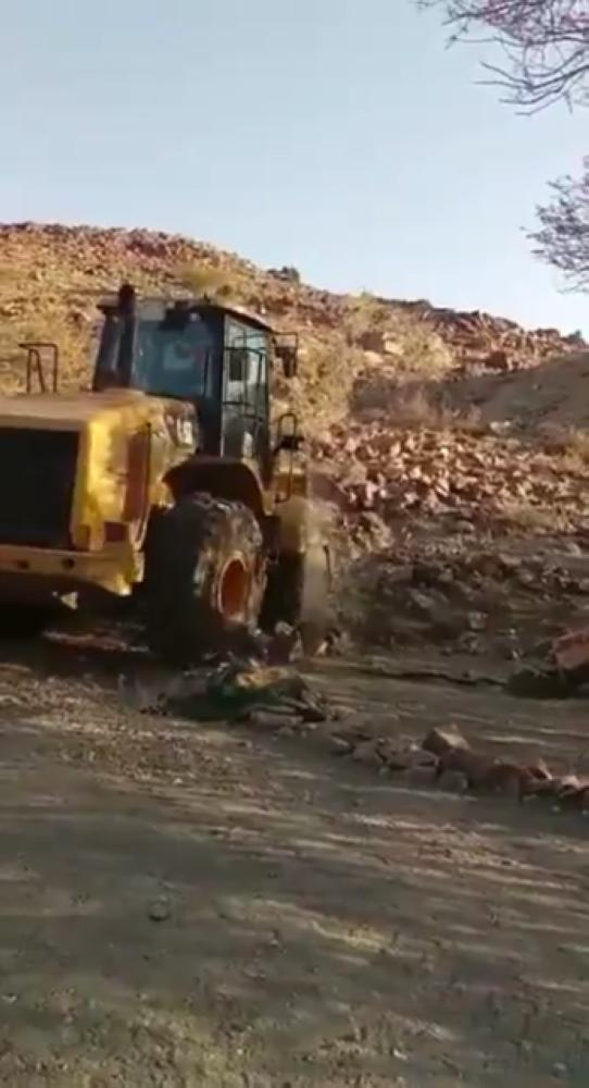 الفيصل يوجه بإزالة مواقع «التبرك» في بني سعد