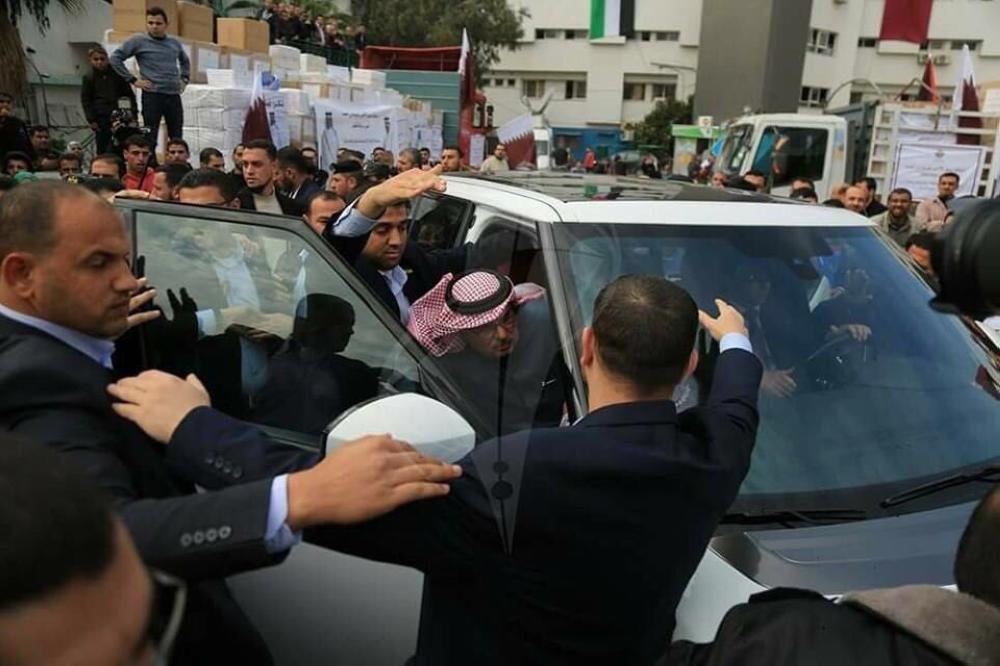 طرد المندوب القطري في غزة واتهام الدوحة بتعزيز الانقسام الفلسطيني