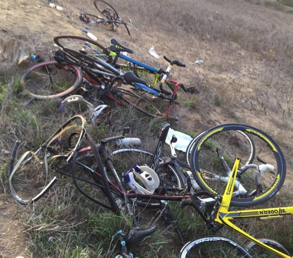 جازان: سيارة تقتل وتصيب 10 سائقي دراجات هوائية