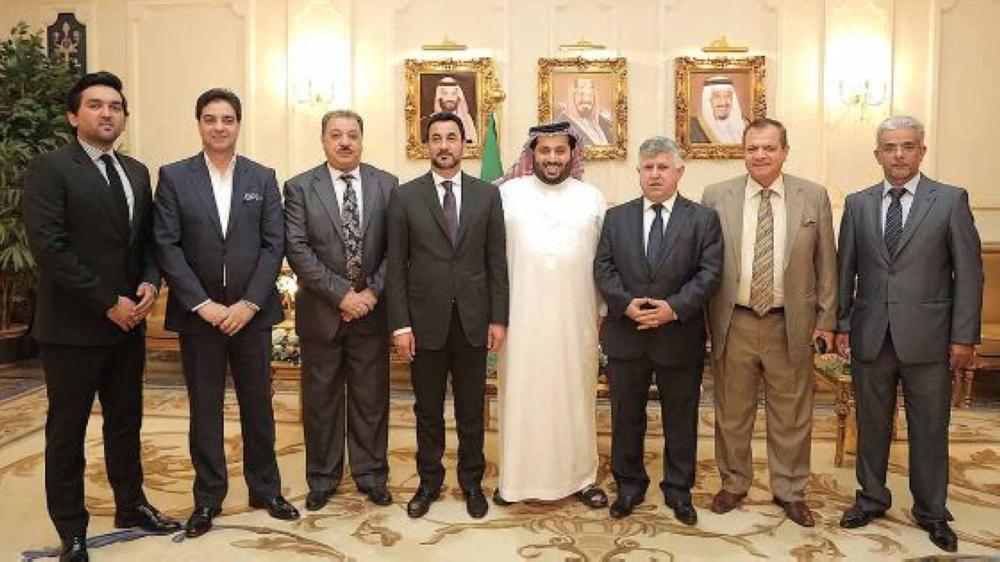 تركي آل الشيخ خلال استقباله وزير الشباب والرياضة العراقي