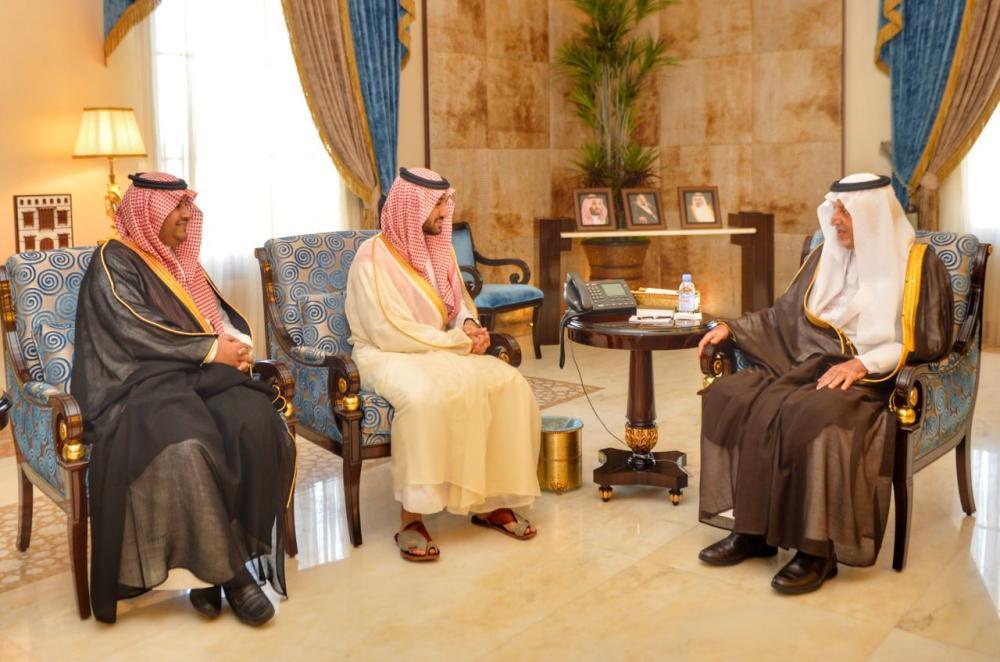 أمير مكة يطلع على مشروع تأهيل استاد الأمير عبدالله الفيصل