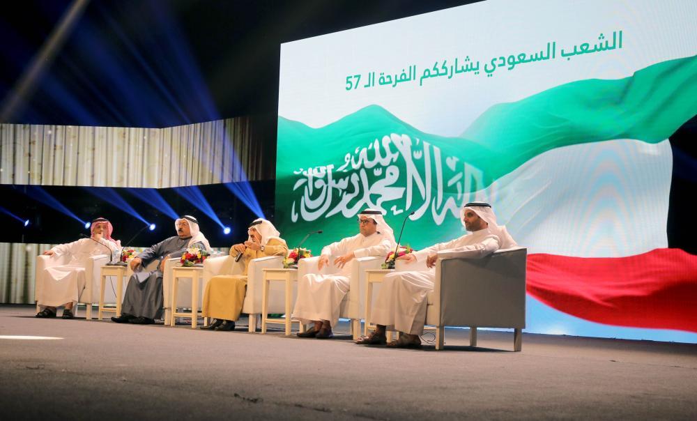 المتحدثين خلال حديثهم عن الدور السعودي الكويتي (تصوير: عبدالعزيز الجابر)