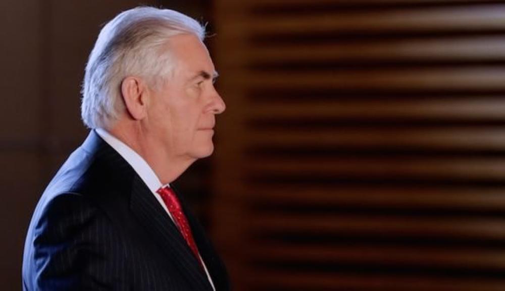 ترمب يطيح بتيلرسون بسبب ملف إيران.. والبديل مدير الـ «سي آي أيه»