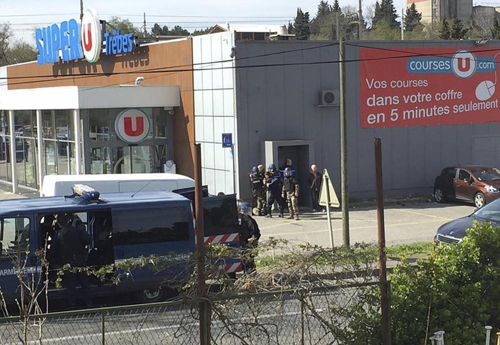 مقتل شخصين ومحتجز الرهائن في متجر بجنوب فرنسا