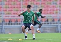 عبدالله الجوعي بقميص الأخضر