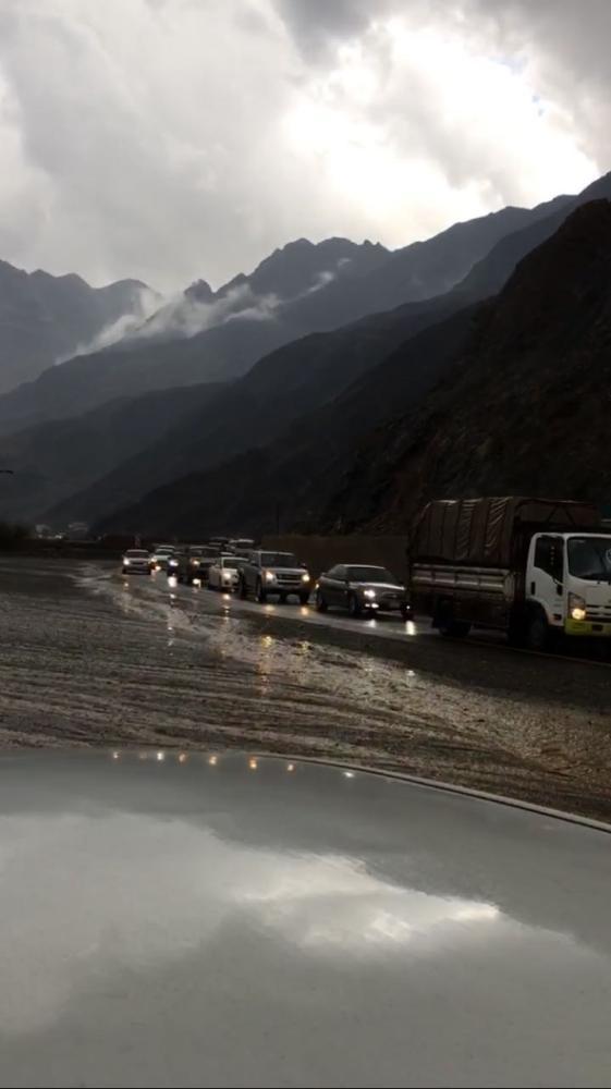 الأمطار والصواعق الرعدية تقطع الكهرباء عن قرى في محايل عسير 800043.jpg