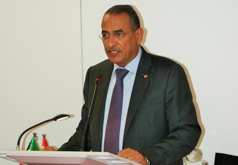 الكويت وعمان تحضان الدول النفطية على مواصلة التعاون