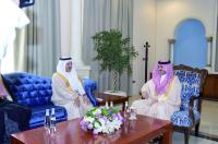 الأمير بدر بن سلطان مستقبلا رئيس هيئة حقوق الإنسان. (عكاظ)
