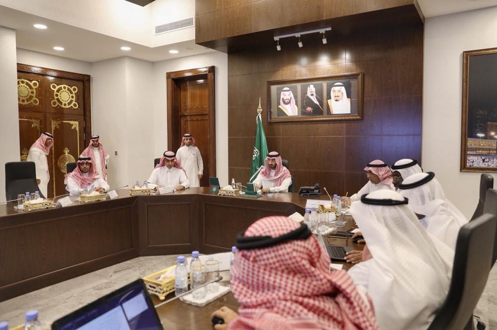 عبدالله بن بندر خلال ترؤسه الاجتماع