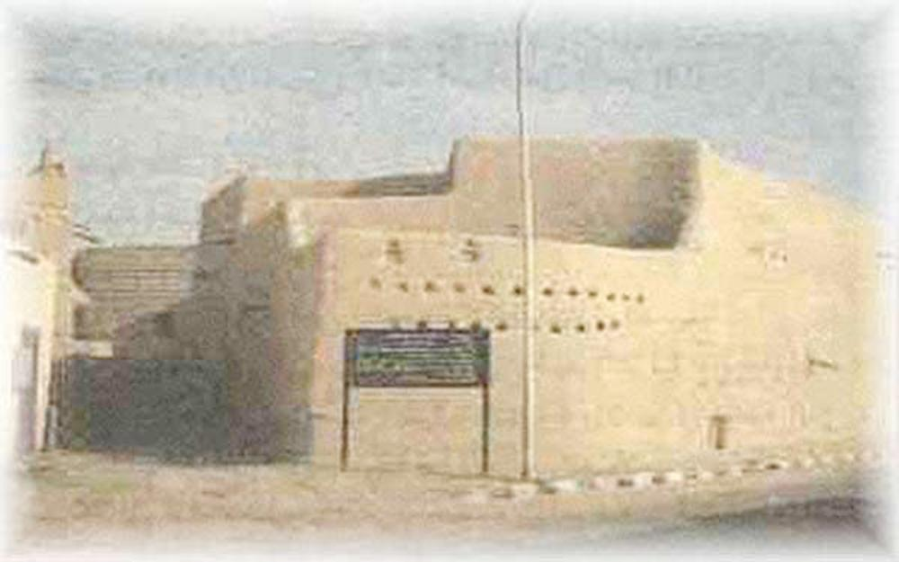 مساحة المنزل، وفقاً لمصادر تاريخية وشهادات شفهية، لا تتجاوز الـ 300 م2.