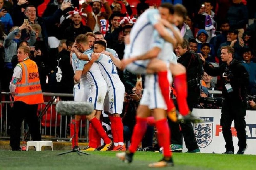 إنجلترا تعلن تشكيلة من 23 لاعباً لكأس العالم